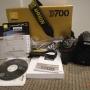 Nikon D700 digital SLR w/24-120 AFS VR Nikkor,Canon EOS 5D Mark II con 21MP DSLR