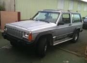 Vendo guagua cheroky jeep 4x4 año 87